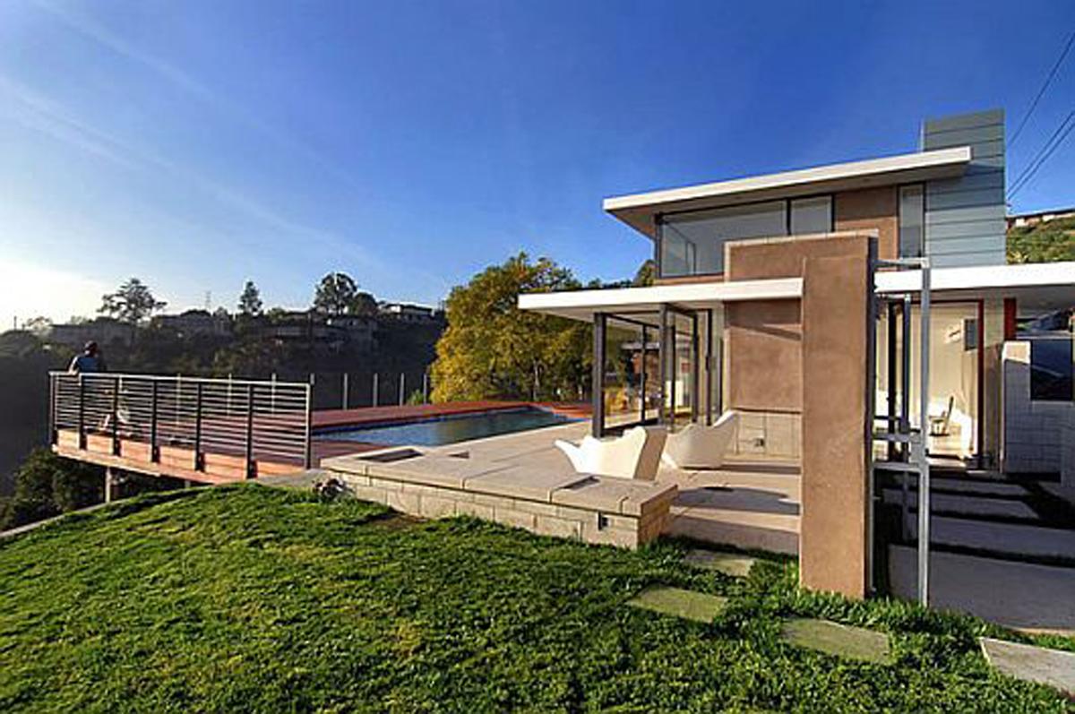 Residence the Evans House Yard