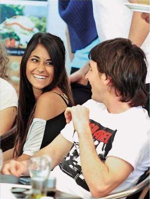 Lionel-Messi-Girlfriend-Pic