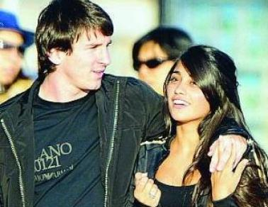 Lionel-Messi-Girlfriend