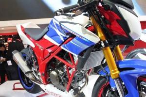 Honda CB150R Blue White