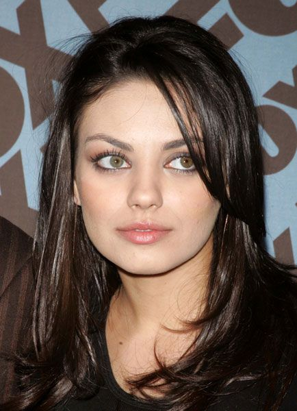 Mila-Kunis-Eyes-Close-Up-01