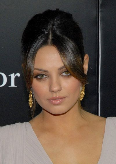 Mila-Kunis-Eyes-Close-Up-02