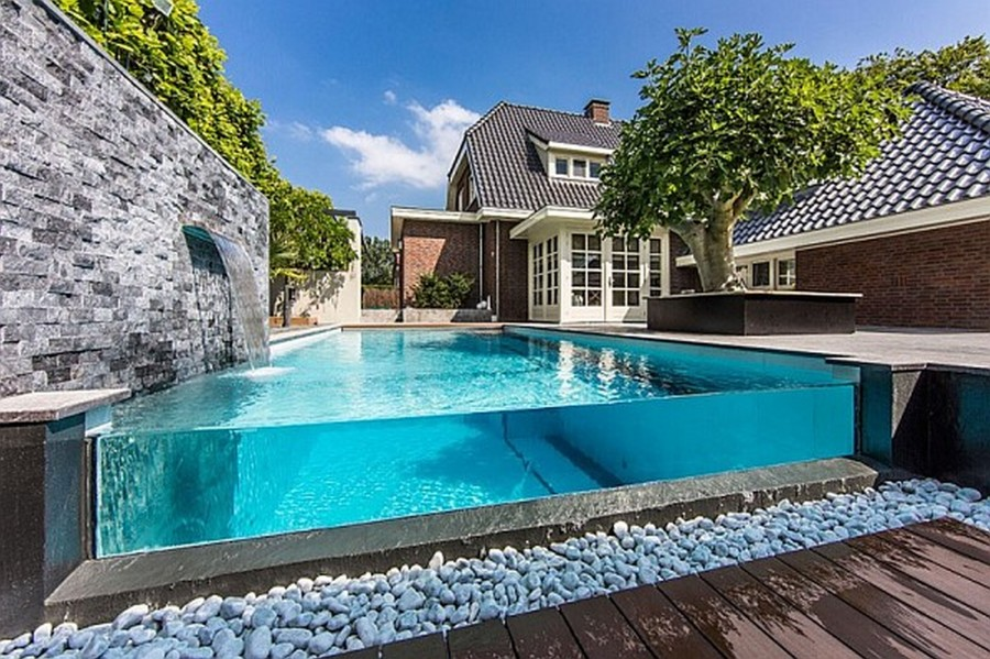 Luxurious Rear Garden Swimming Pool Design