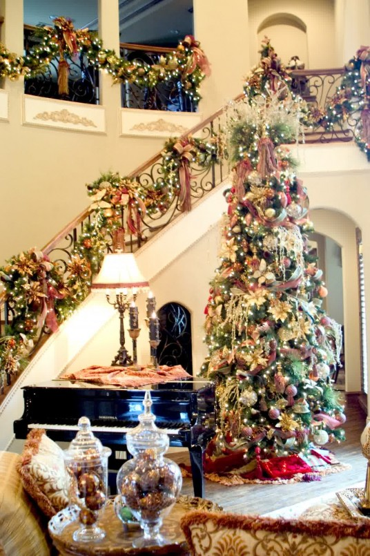 Attractive Christmas Tree Decoration Ideas