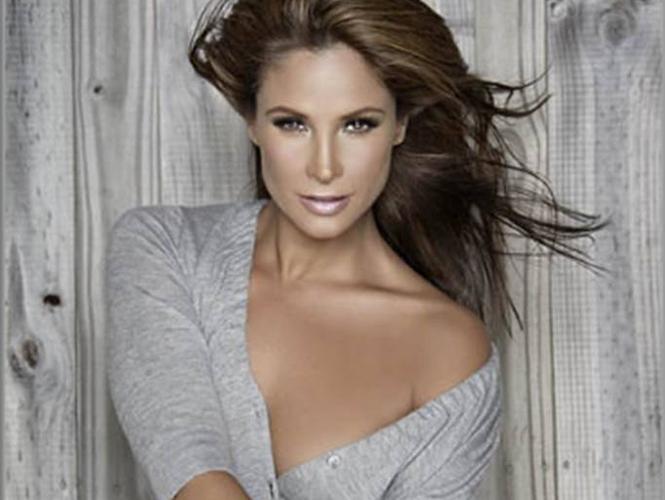 Lorena Rojas Pics
