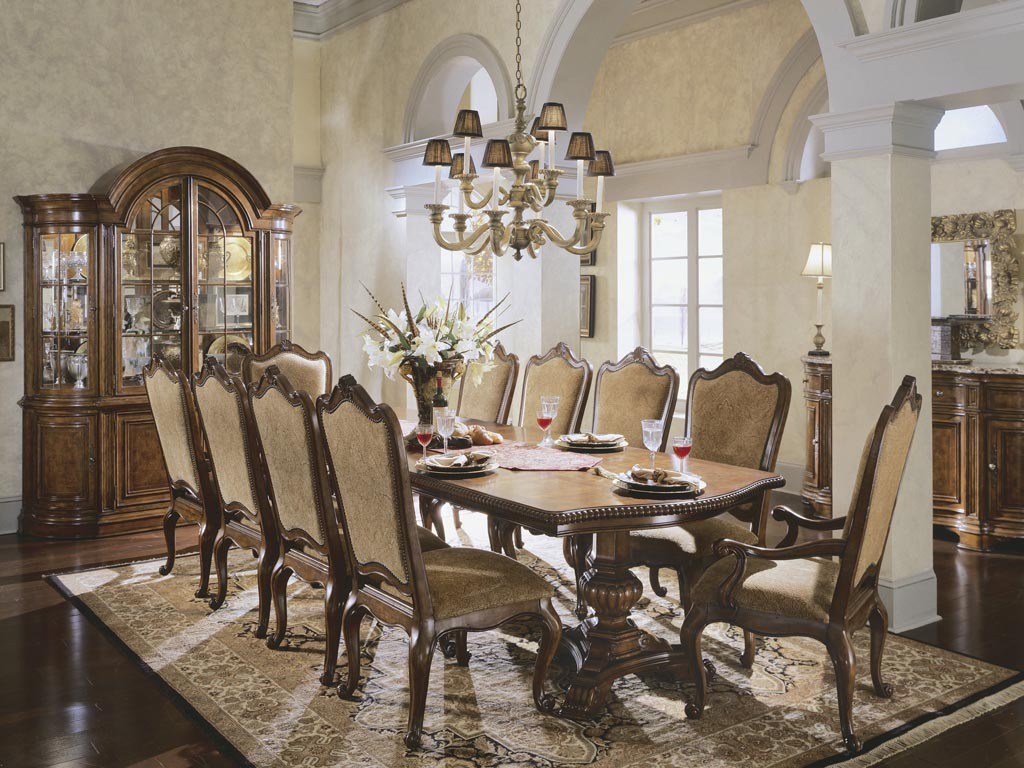Large Dining Room Ideas With Vintage Chandelier And